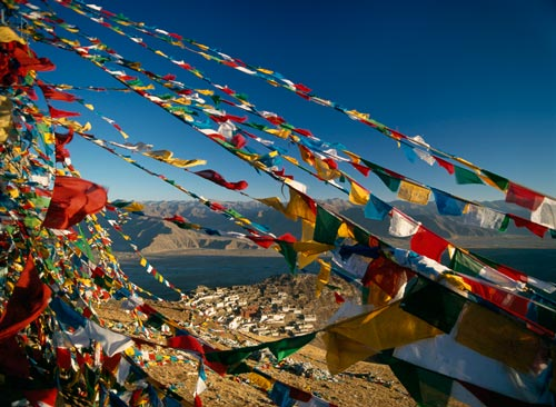 Marche du Dalaï Lama/Lhassa s'enflamme, Pékin l'étouffe - Page 18 Free-tibet2